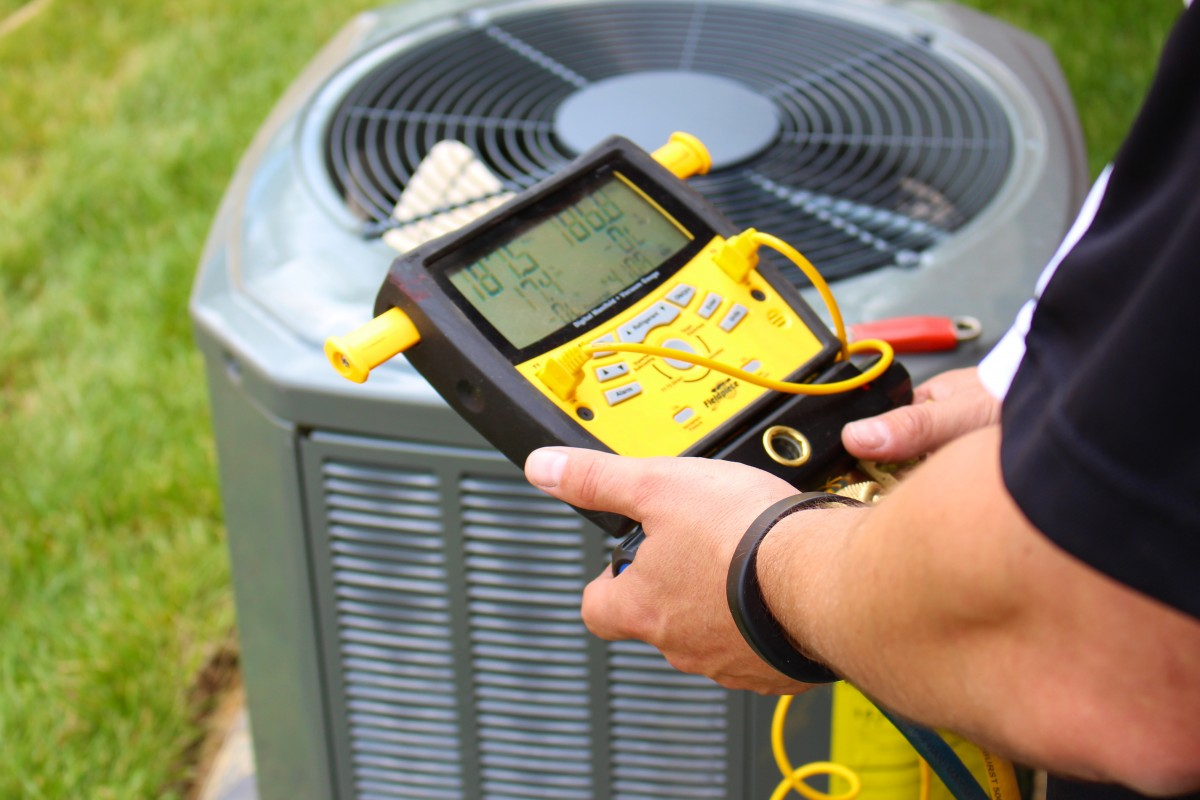 air conditioner repair and maintenance service